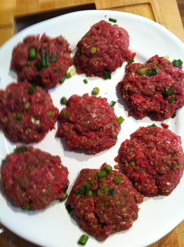 mini.beef.burger.salad.1